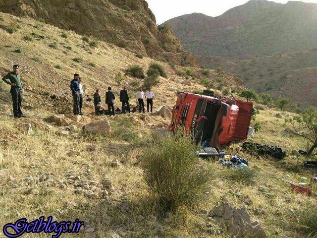 یک کشته و 28 مجروح بر اثر واژگونی کامیون در فارس