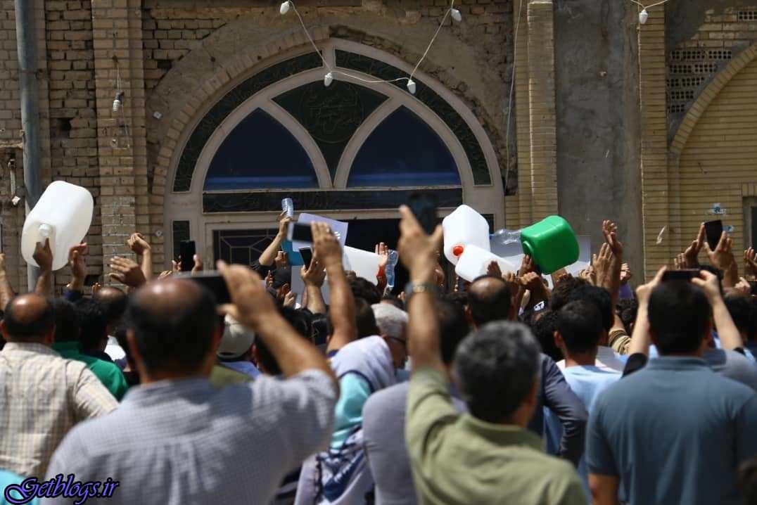 تجمع اعتراضآمیز مردم خرمشهر به علت شوری آب